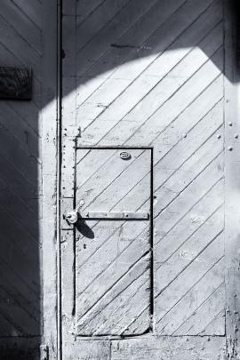 Door 3, Vittoria Street